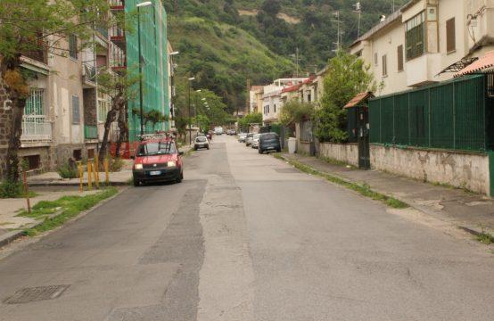 CAVALLEGGERI D'AOSTA 4 LOCALI COMMERCIALI
