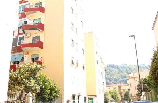 Cavalleggeri D'Aosta tre vani in parco con posto auto